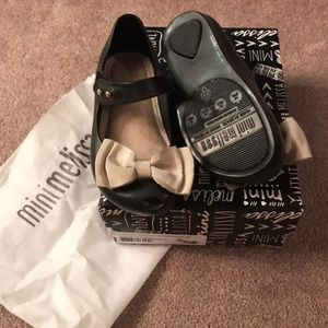 NIB mini Melissa ultra sweet black and beige sz8